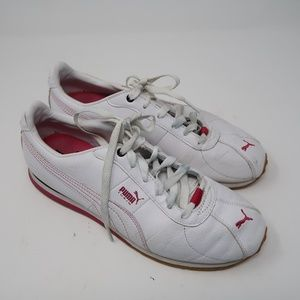 Womens Puma Athletic White Sneakers Size 9